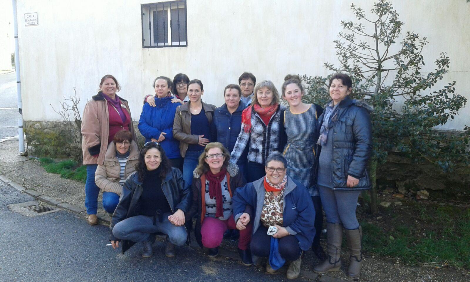 Grupo de mujeres que participaron en el taller, celebrado en Galve de Sorbe.