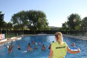 pareja_piscina070716