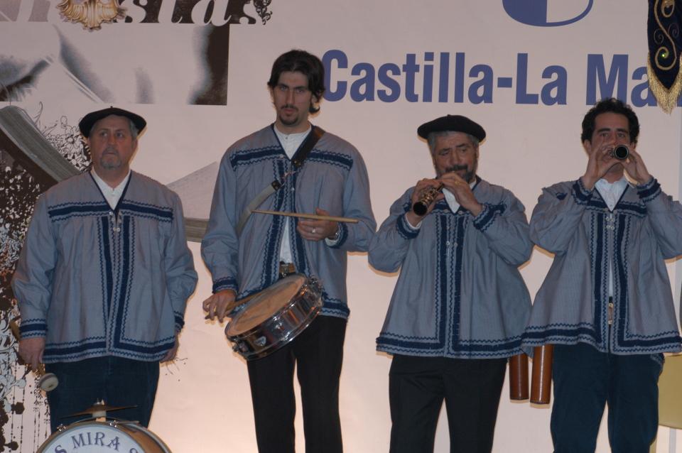 Gaiteros Mirasierra, acompañantes de los danzantes de Galve desde hace más de dos décadas. // Foto: R.C.