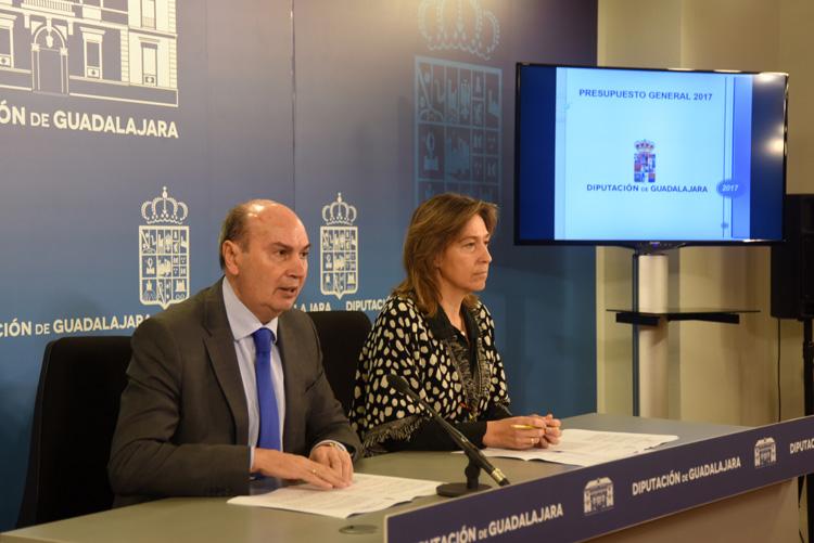 Latre y Guarinos presentan el presupuesto de Diputación