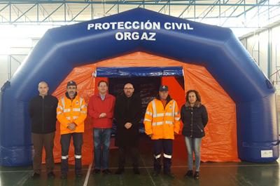 Entrega de tiendas a las agrupaciones de Protección Civil