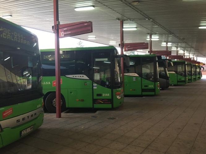 Autobuses en la estación de autobuses de Guadalajara