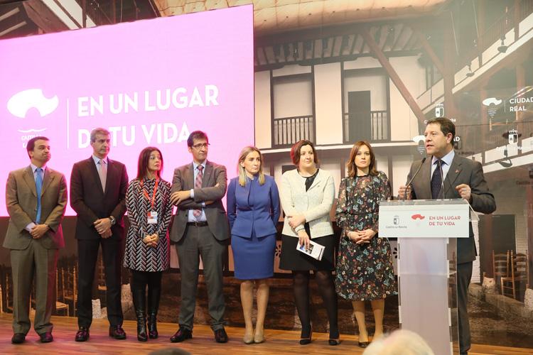 García Page durante la inauguración de FITUR en el que ha anunciado que Ciudad Real será la sede del centro folclore regional