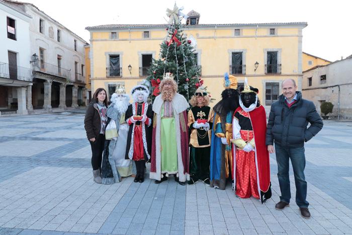 Los Reyes Magos hicieron parada en Pareja y Casasana