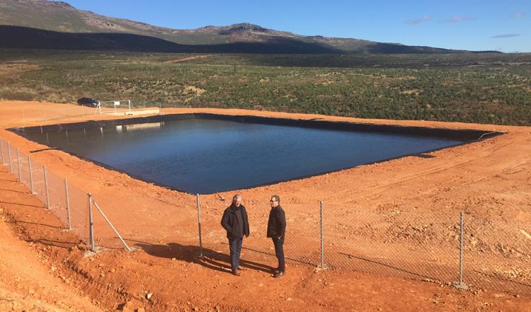 Uno de los puntos de agua contra los incendios se ha construido en Bustares