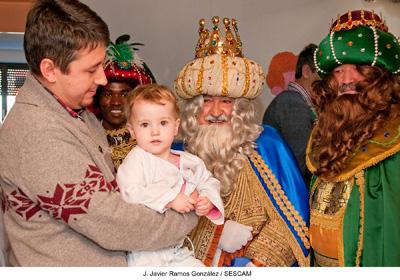 Los Reyes Magos hicieron las delicias de todos los ingresados, niños y mayores