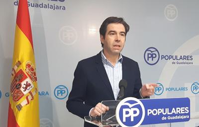 Rueda de prensa de Lorenzo Robisco que acusa a Page de mala gestión en la gripe A