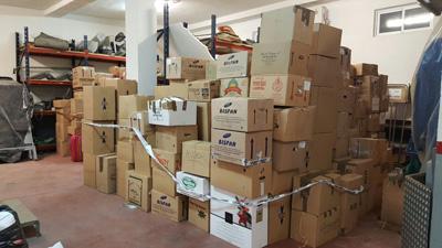 Cientos de cajas con ropa de invierno preparadas para los refugiados sirios