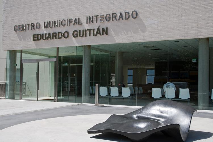 La escuela de padres tiene lugar en el Centro Municipal Integrado