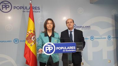 Ana Guarinos y Juan Pablo Sánchez en rueda de prensa