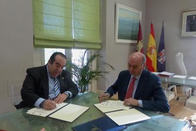 Firma del convenio entre la Diputación y el Colegio de Abogados de Guadalajara