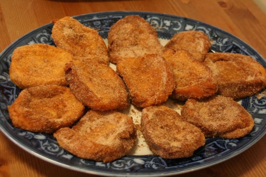 Uno de los postres más ricos de la gastronomía guadalajareña es sin duda las torrijas elaboradas con miel de la Alcarria