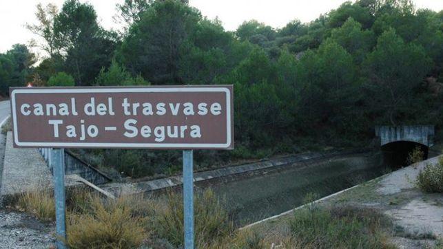 Canal del trasvase Tajo-Segura. // Foto: Europa Press.