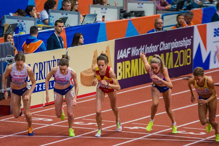 La atleta alcarreña Ana Lozano en la salida de la final de los 3000 metros en Belgrado (Foto: SportMedia)
