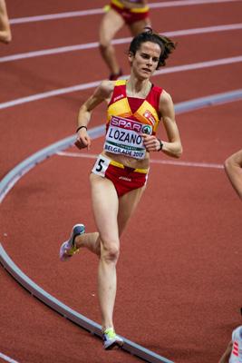 Ana Lozano en plena carrera de la final de los 3000 metros en Belgrado. (Foto: SportMedia)