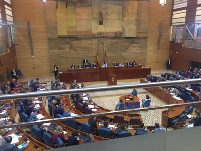 Teodoro Baldominos, alcalde el pozo de Guadalajara, visitó la Asamblea de Madrid