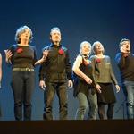 Exitoso estreno mundial del espectáculo 'La poesía anda por las calles' en el Teatro Buero Vallejo