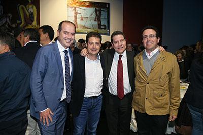 Page con Francisco Torrecilla, alcalde de Sacedón y el delegado de la Junta, Alberto Rojo