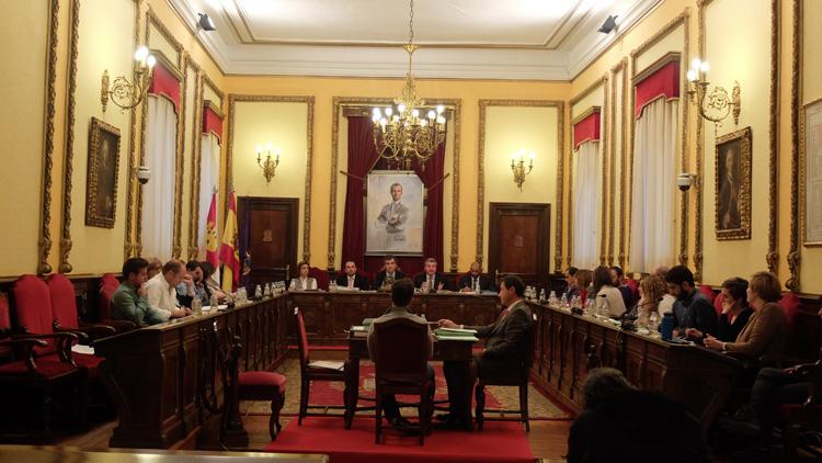 Imagen del Pleno del pasado viernes en el Ayuntamiento de Guadalajara. // Foto: Gabinete de Prensa Ayuntamiento de Guadalajara