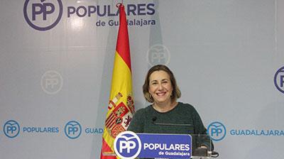 La diputada Silvia Valmaña en rueda de prensa