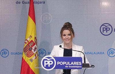 La senadora Marta Valdenebro en rueda de prensa