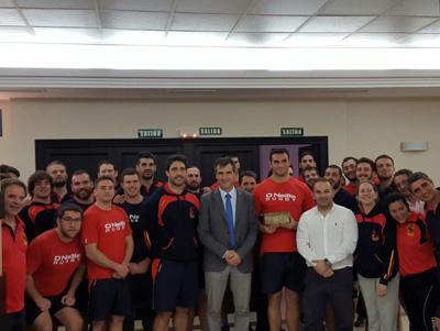 La selección de rugby recibió la visita del alcalde