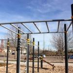 Valdeluz estrena una estación de Street Workout para la práctica del ejercicio físico en la calle