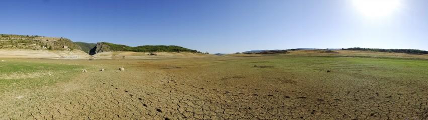 Imagen del pantano de Entrepeñas, en Guadalajara. // Foto: JAVI MARTÍNEZ (EL MUNDO).