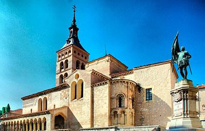 Segovia. Monumento a Juan Bravo, ante la iglesia de San Martín
