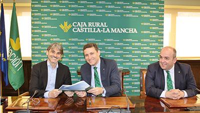 Caja Rural CLM suscribe un convenio con ICEA para proporcionar formación a sus profesionales