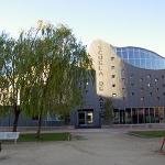 Page inaugura el curso escolar en la Escuela de Bellas Artes de Guadalajara