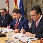 Castilla-La Mancha y la Fundación Amancio Ortega firman un acuerdo para la adquisición de equipamiento tecnológico