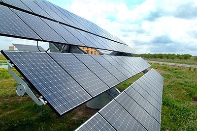 Un panel solar de energías renovables