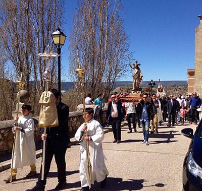 La Semana Santa de Pareja se cierra con al Procesión del Encuentro y la quema del Judas