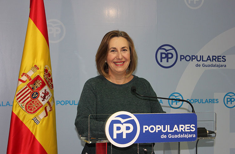La diputada Silvia Valmaña en su comparecencia ante los periodistas