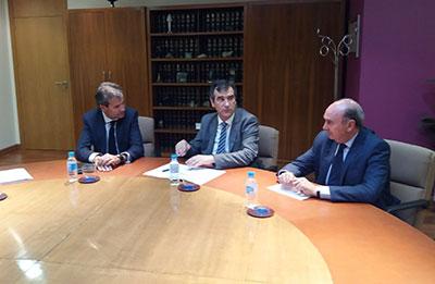 Latre y Román con el presidente de RENFE