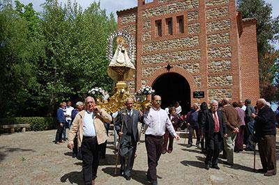 Un año más Heras de Ayuso y Yunquera de Henares se hermanan en la Fiesta de San Cleto alrrededor de la Virgen de la Granja