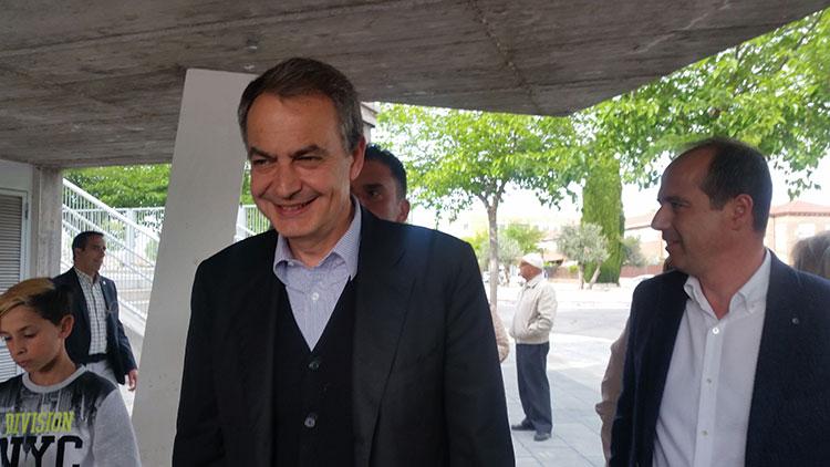El ex-presidente José Luis Rodriguez Zapatero a su llegada a Azuqueca