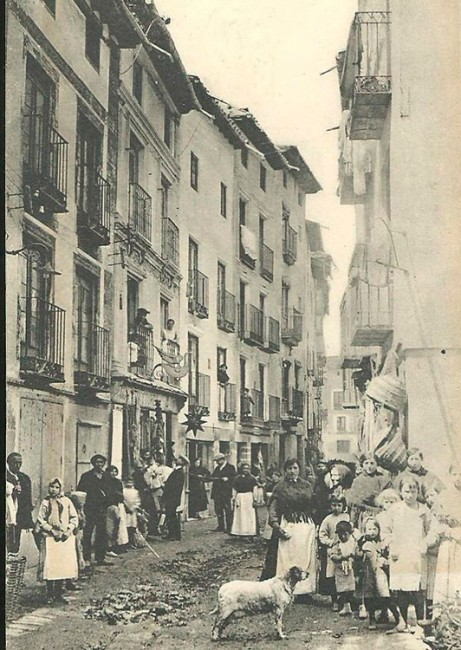 Molina, calle de las Tiendas, donde vivió y murió Tirso de Obregón