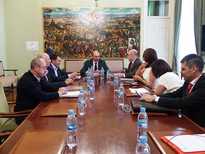 Reunión de la Comisión Mixta de Coordinación y Seguimiento del Convenio de Cooperación Económica entre la Consejería de Economía, Empresas y Empleo y la Diputación de Guadalajara