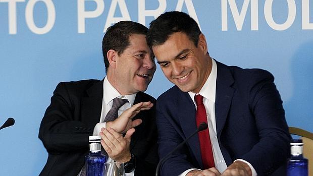 García-Page y Pedro Sánchez en un acto en octubre de 2015. // Foto: www.abc.es