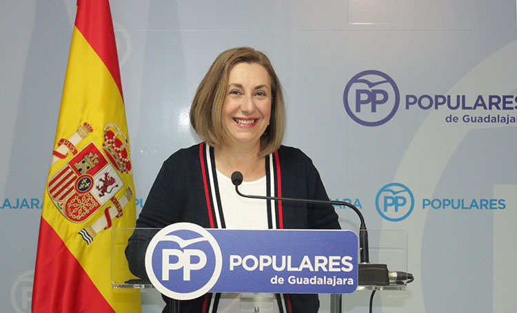 La diputada nacional; Silvia Valmaña, en rueda de prensa