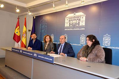 Presentación del Premio Internacional de Periodismo 'Cátedra Manu Leguineche'