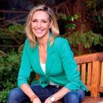 La periodista Marta Robles presenta libro en la biblioteca de Valdeluz