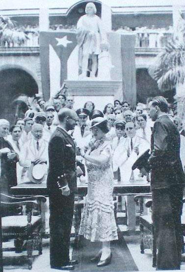 Mariano Barberán recibe las más altas condecoraciones de Cuba