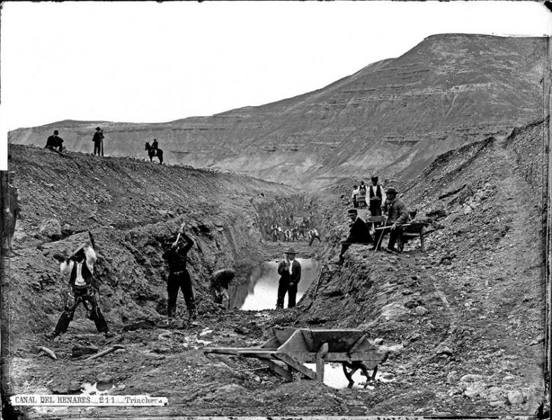 Imagen de la construcción del Canal del Henares entre 1865 y 1867. Foto: Jean Laurent- Reproducción del libro La Casa Lauren y Guadalajara.