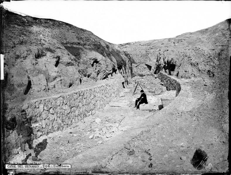 Tramo del Canal del Henares, una de las obras hidráulicas más relevantes, que este año cumple 150 años desde su inauguración. Foto: J. Laurent- Reproducción del libro La Casa Laurent y Guadalajara.