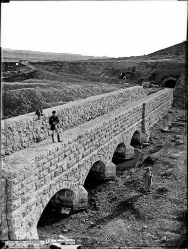 Infraestructura del Canal del Henares, durante su ejecución en la segunda mitad del siglo XIX. Foto: J. Laurent- Reproducción del libro La Casa Laurent  y Guadalajara.