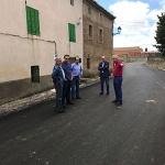 El presidente de la Diputación visita las obras de la carretera que une Estriégana y Saúca