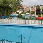 La Piscina Municipal de San Roque ofrece nuevos servicios para bañistas y usuarios